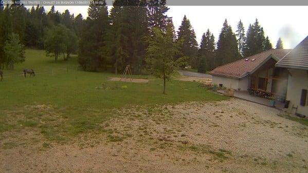 lac-des-rouges-truites_chalet-bugnon_MEGA.jpg