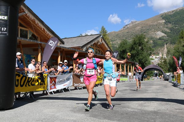 De g à d : Maud Gobert et Virginie Govignon 1res ex aequo  du 27 km  (photo Robert Goin)