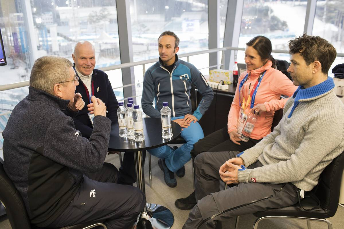 12.02.2018, Pyeongchang, Korea (KOR): Thomas Bach (GER), president of IOC, Anders Besseberg (NOR) president of International Biathlon Union, Vincent Defrasne (FRA), Andrea Henkel (GER), Ole Einar Bjoerndalen (NOR), (l-r) - XXIII. Olympic Winter Games Pyeongchang 2018, biathlon, pursuit men, Pyeongchang (KOR). www.nordicfocus.com. © Manzoni/NordicFocus. Every downloaded picture is fee-liable.