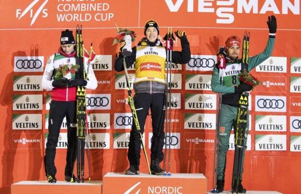 COMBINE NORDIQUE - Au terme d'une course maîtrisée de bout en bout, la première victoire de la saison revient à l'Autrichien Mario Seidl. Il devance au final Jarl Magnus Riiber et Johannes Rydzek.