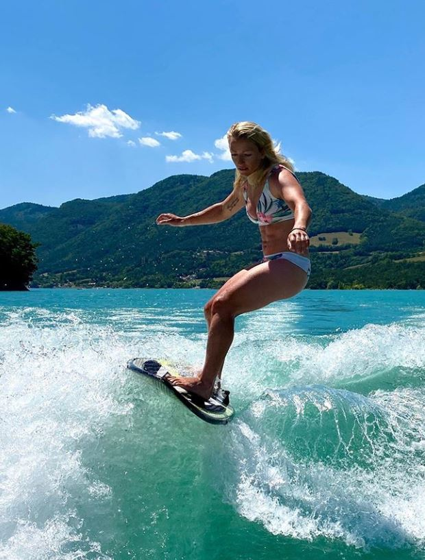 Jennifer Piot, ski alpin, surf
